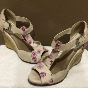 Purple flower Cole Haan wedges size 7